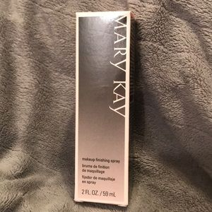 Mary Kay Makeup Finishing Spray 2oz *NEVER OPENED